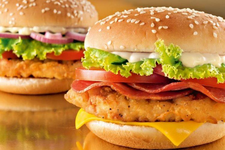 McDonald's retirará frango com antibióticos de lojas nos EUA